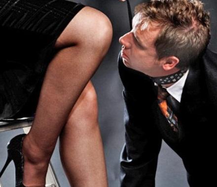 Смотреть сексвайф при муже дрочащем