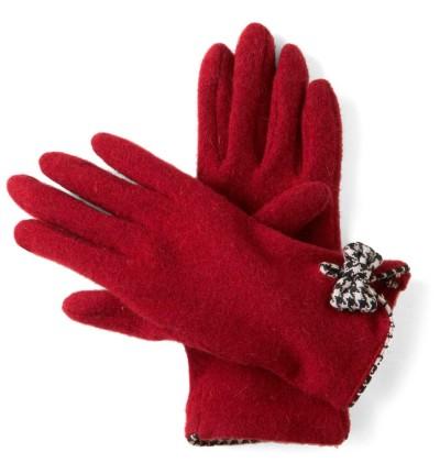 Перчатки - отличный подарок женщине на 8 марта