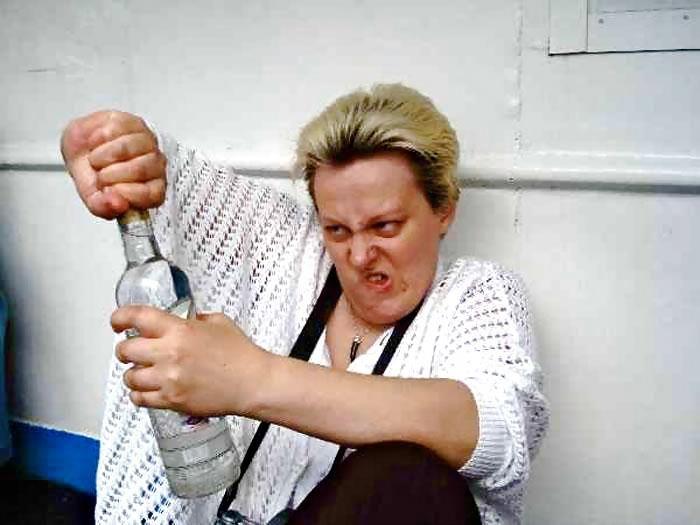 Фото пьяной женщины прикольное
