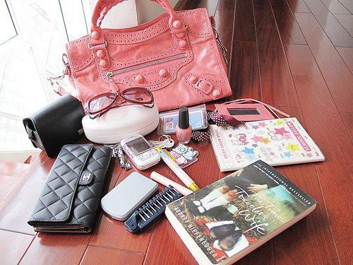 Содержимое дамской сумочки
